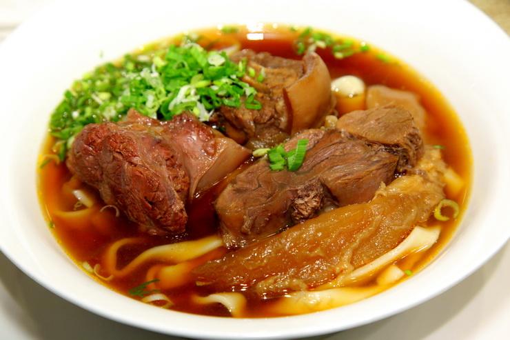 天下三絶牛肉麺